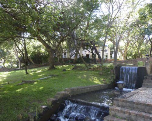 Im Hotel angelegter Garten
