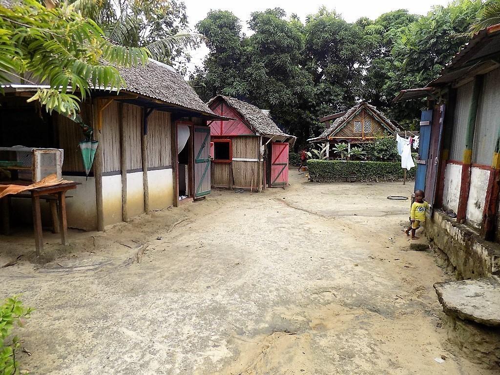 Dorf auf Nachbarinsel