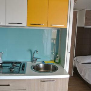 Küche und Bett der Natural Junior Suite