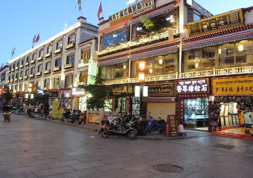 Lhasa bei Nacht