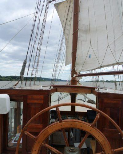 Segeltörn entlang der Elbe - Standort beim Skipper