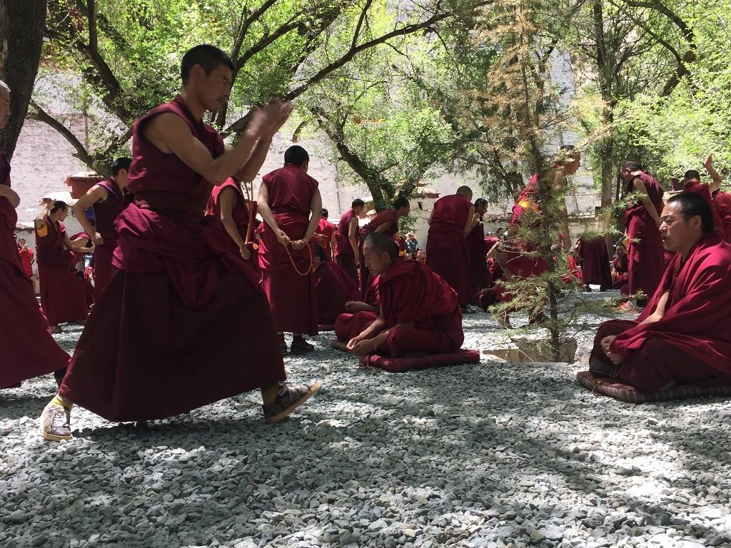Unterrichtsstunde im Kloster