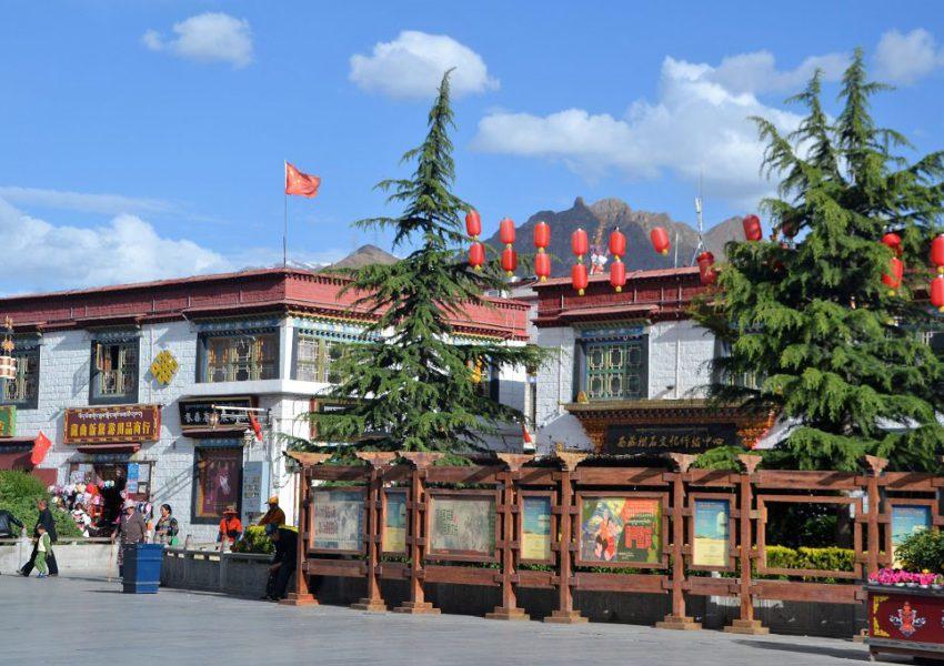 Platz vor Jokhang