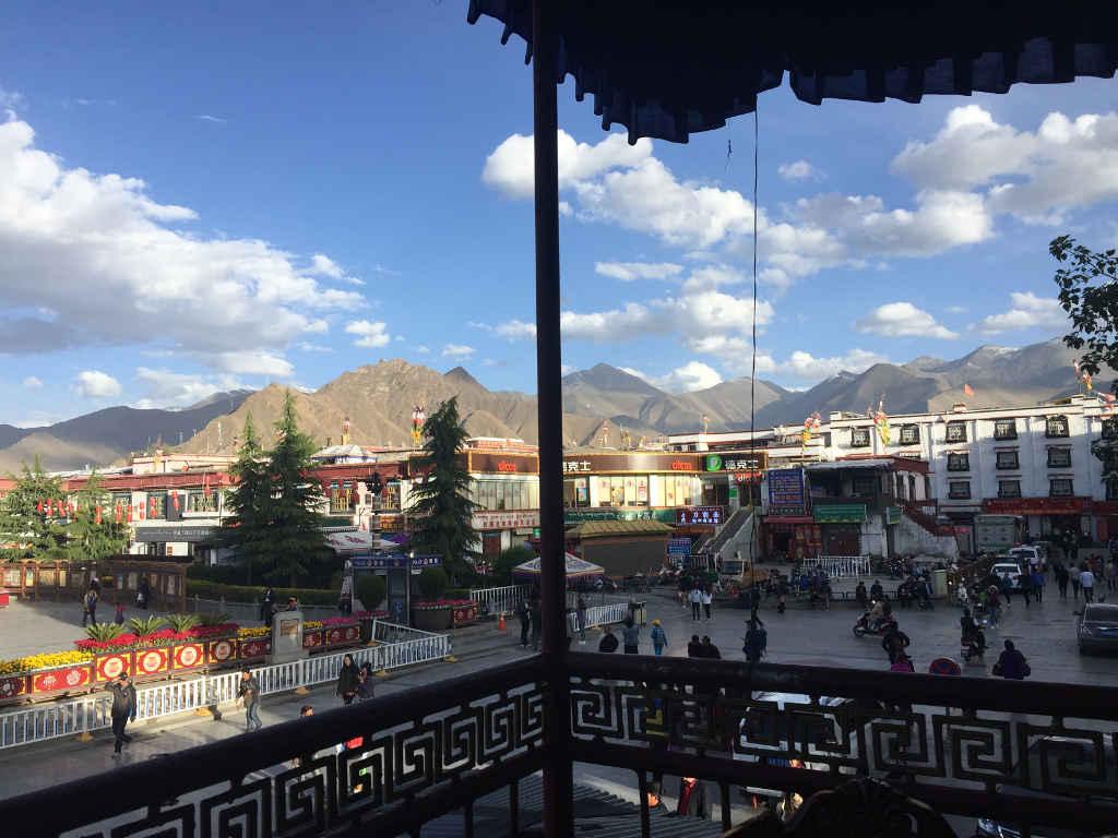 Blick auf die Stadt Lhasa