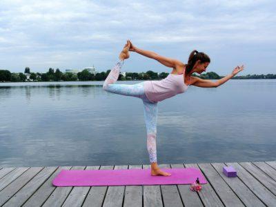 Britta, Yogalehrerin