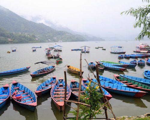 Phewa See an einem Regentag