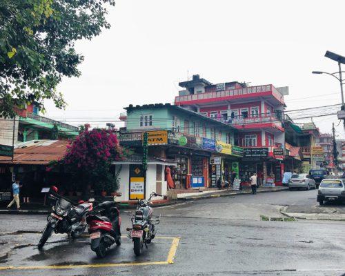 Verlassene Straße in Pokhara