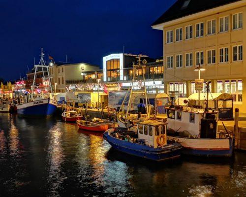 Nachtspaziergang am Hafen