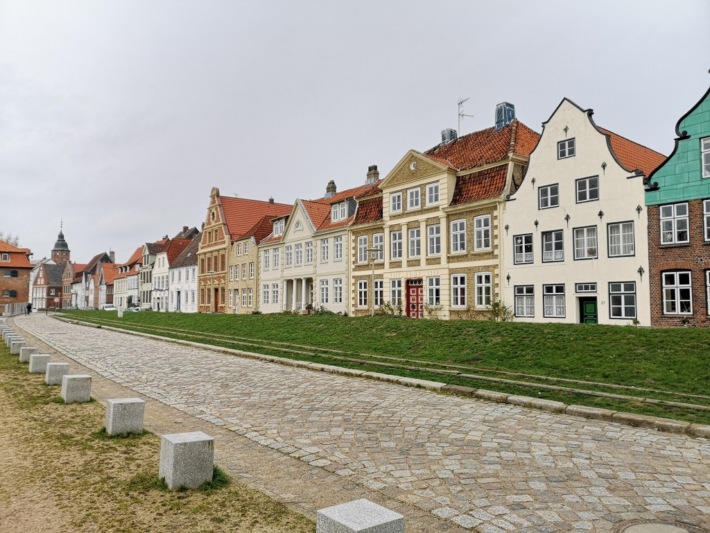 Hafen-Promenade in Glückstadt