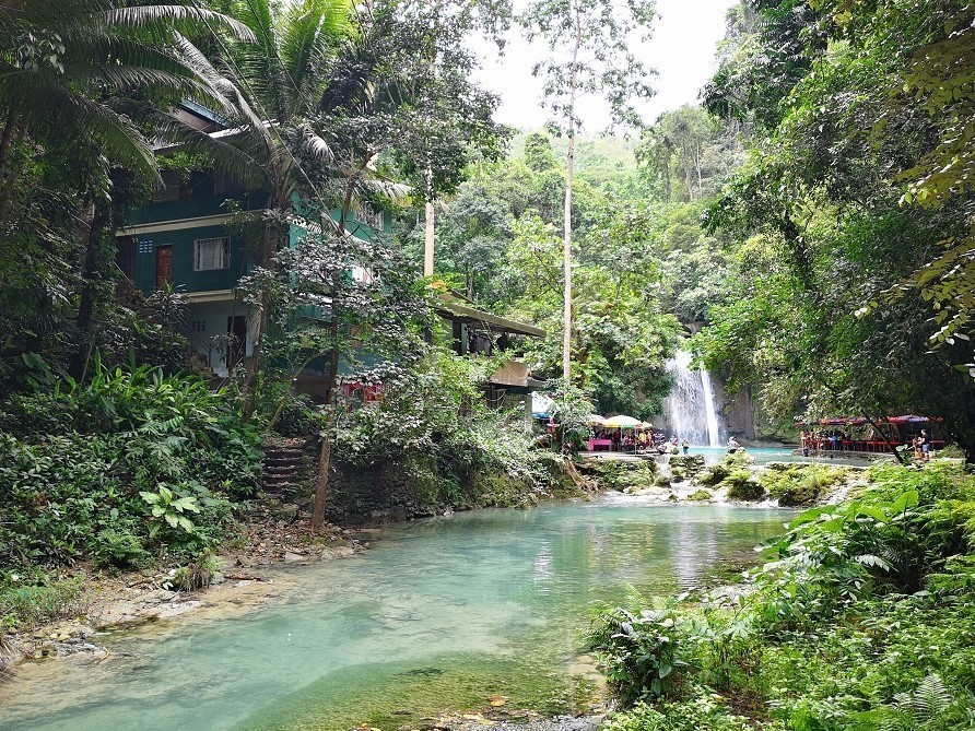 Kawasan Falls auf der Insel Cebu
