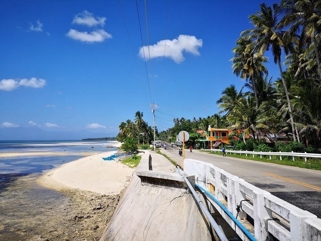 Brücke, Strand und Meer