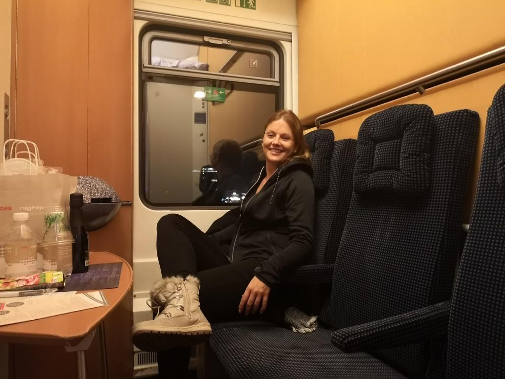 Entspannte Zugfahrt nach Österreich