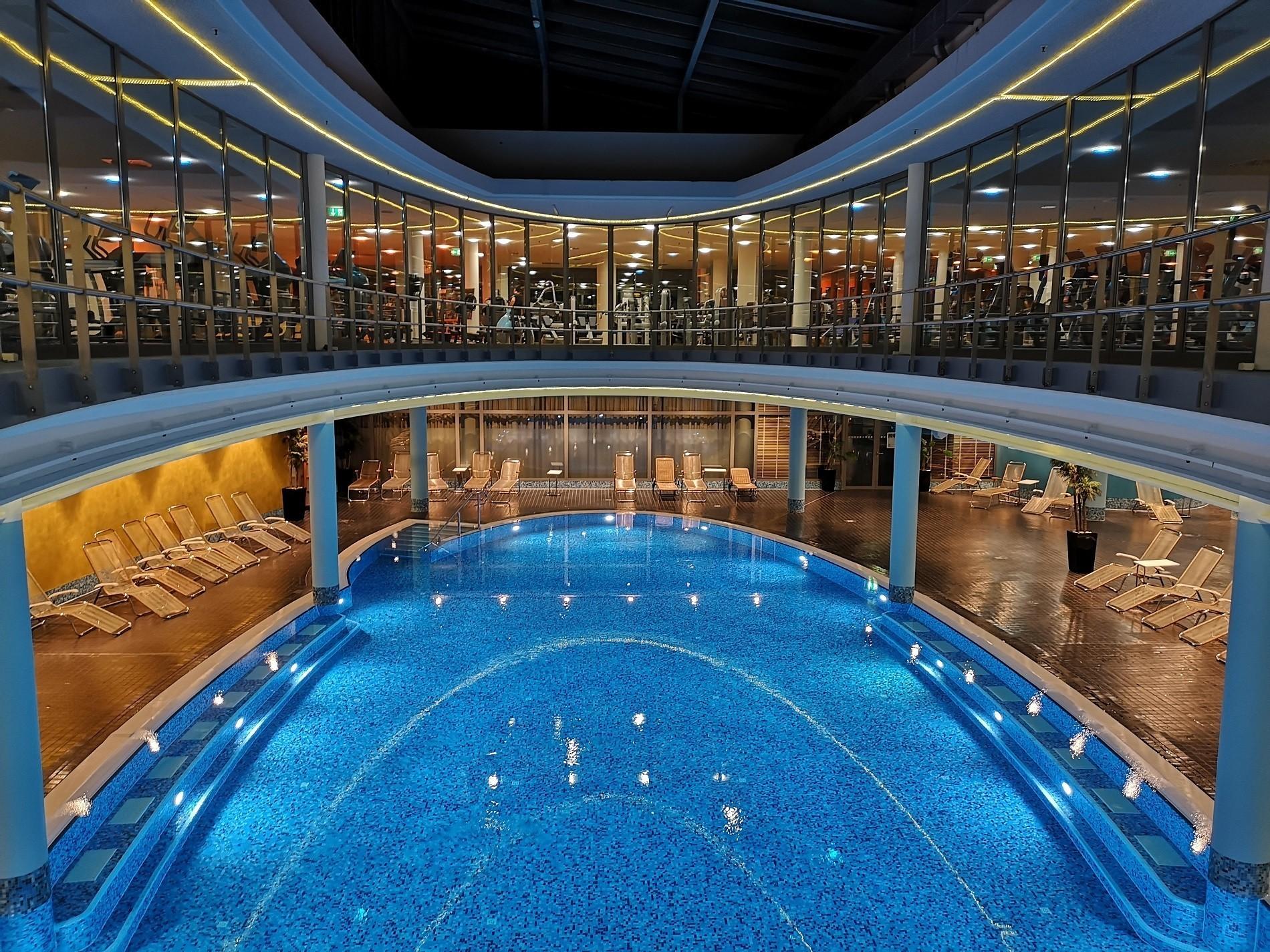Pool im centrovital Hotel Berlin