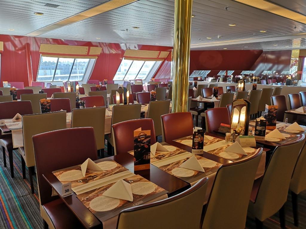 Restaurant auf dem Schiff nach Stockholm