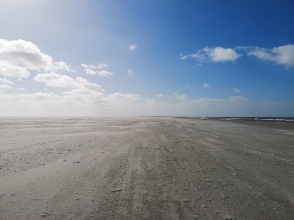 Weitläufiger Strand