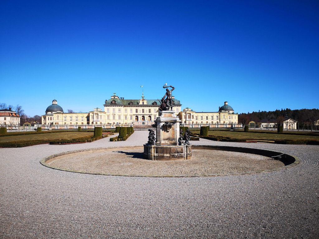Schlossgarten mit Herkulesbrunnen