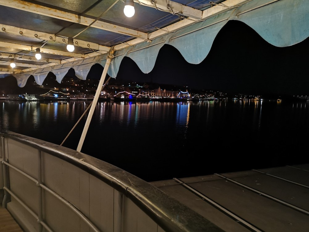Abendstimmung vom Schiff aus auf Stockholm