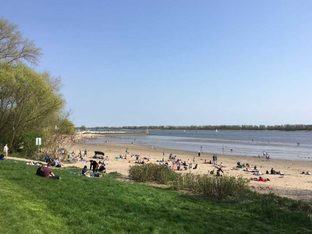 Entspannung am Strand in Wedel