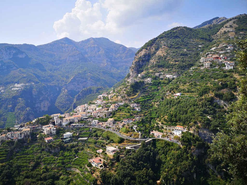 Bergstrasse - Ausblick von Ravello