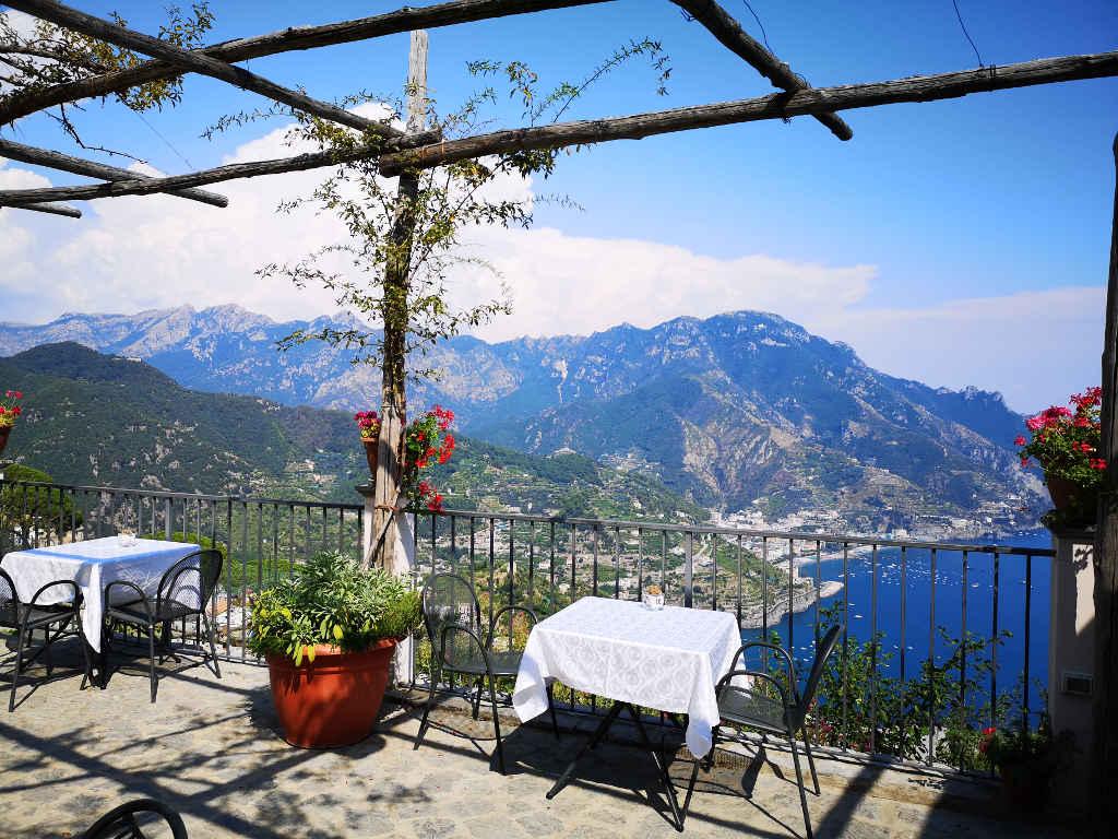Villa Amore mit Blick auf die Küste