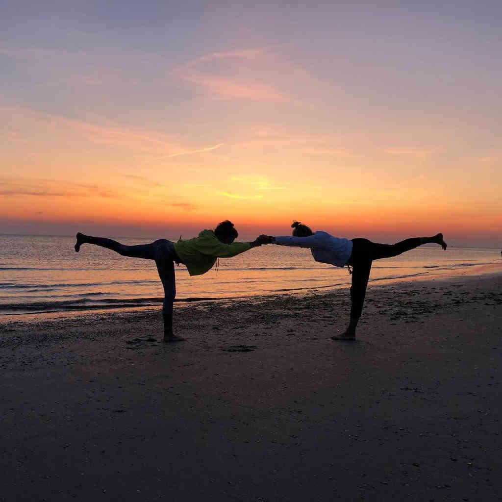 Yoga an der Nordsee ©JuliaRistow