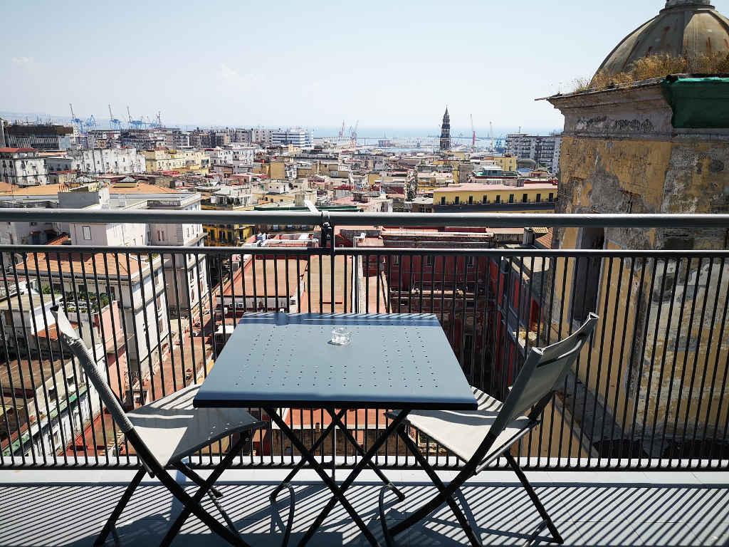 Über den Dächer von Neapel