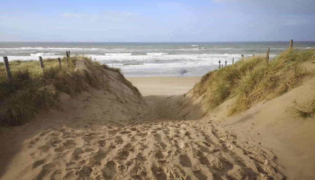 Mit den Rad an den Strand