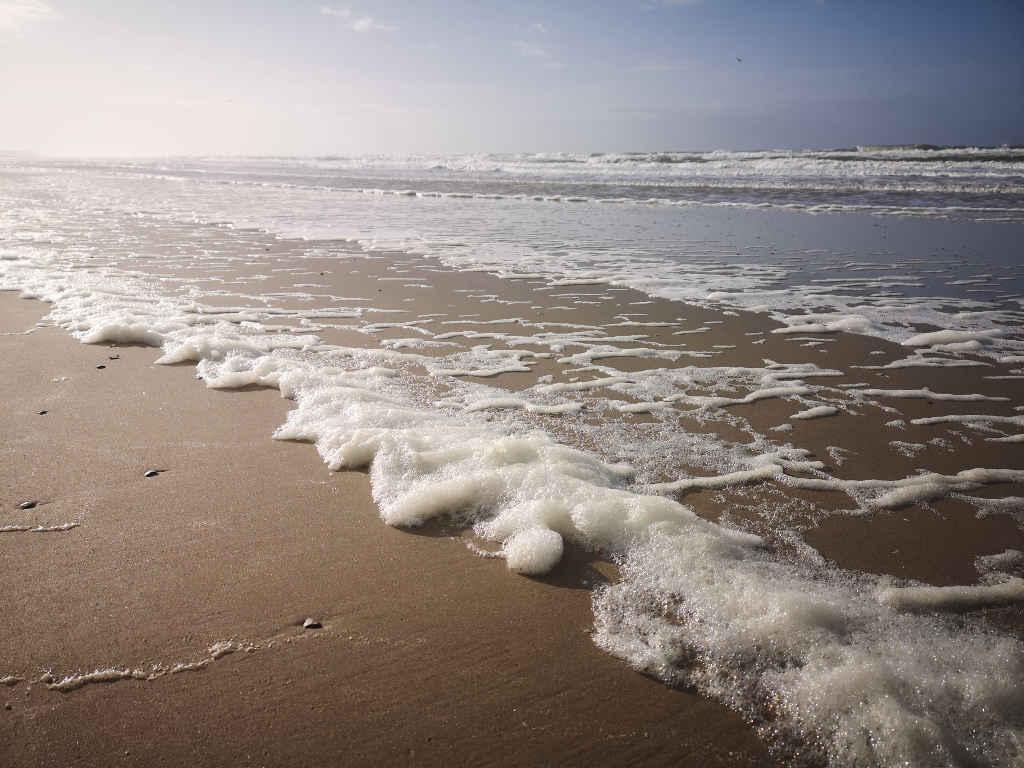 Schaumkronen an der Nordsee