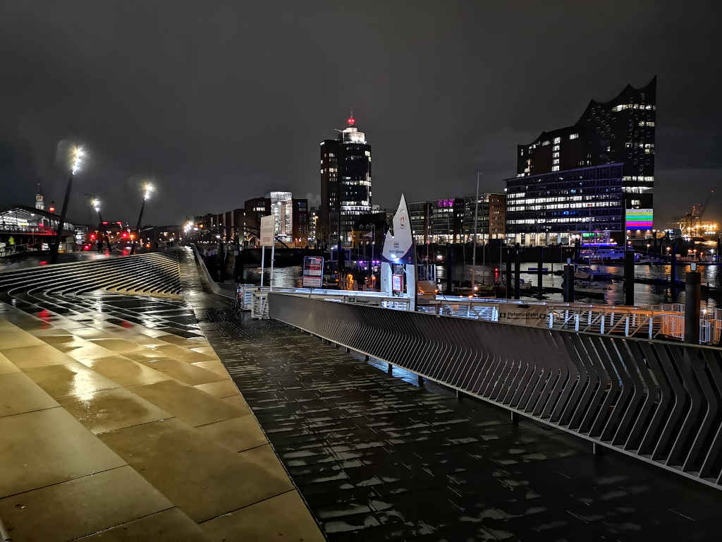 Nacht-Spaziergang am Hafen