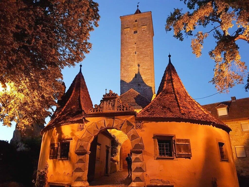 Burgtor in Rothenburg ob der Tauber ©Places and Pleasure