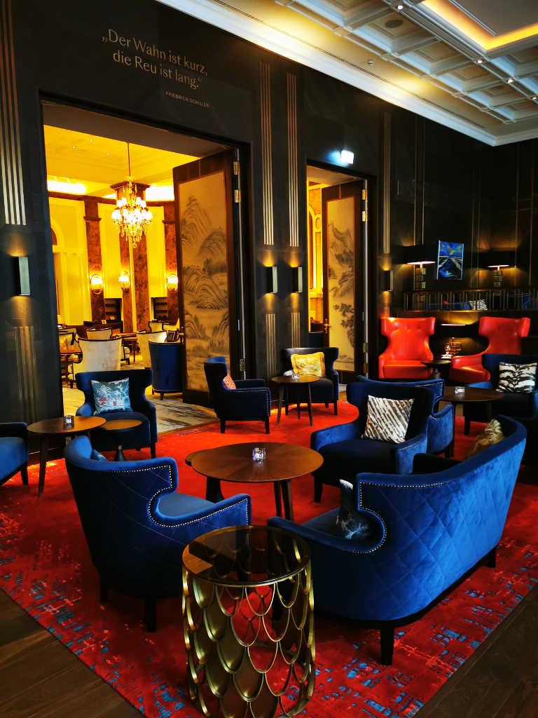 Loungebereich an der Bar